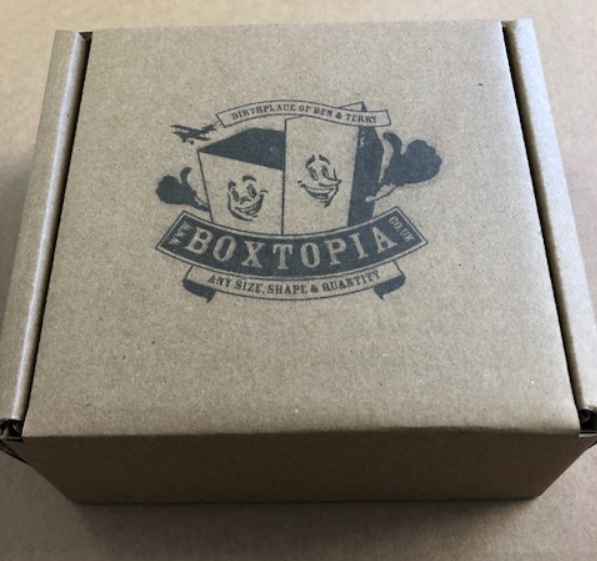Printed 0426 box with the Boxtopia logo